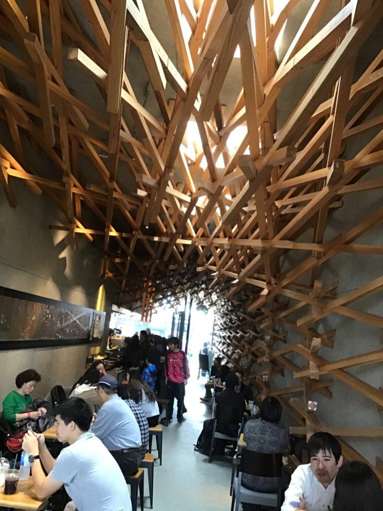 太宰府天満宮 参道カフェ おすすめ スターバックス 建築が有名 店内の様子